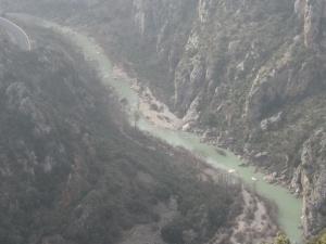 Olvena. Cauce del río Ésera por el Congosto