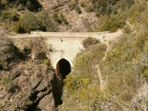 Puente del Diablo. Entre Colungo y Asque