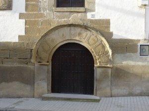 Liesa. Portal de entrada Casa Launa
