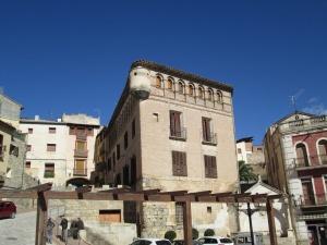 Fonz. Palacio fortificado de los Gómez de Alba