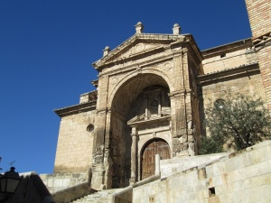 Fonz. Iglesia parroquial