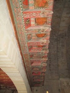Ermita de San Román de Castro. Alfarje con pinturas decorativas