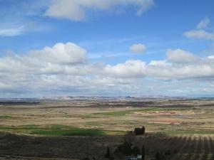 Camino de Alcolea de Cinca. Extensas llanuras