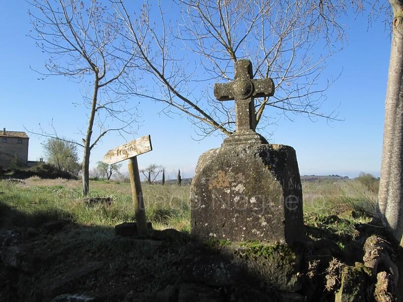 Adahuesca. Vía crucis, camino de la ermita de Treviño