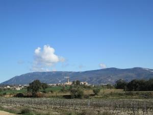 Adahuesca y la sierra de Sevil, desde la ermita de Treviño