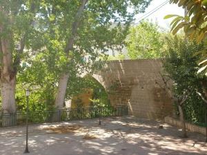 Castillazuelo. Puente sobre el río Vero