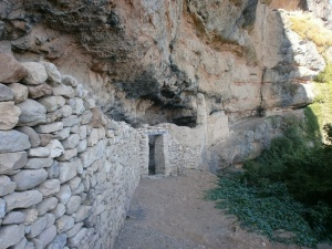 Capella. Corrales rupestres en San Martín