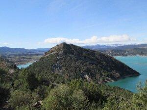 Camino del embalse de Mediano. Tozal de Monclús