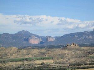 Salto de Roldán y castillo de Montearagón