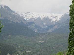 Macizo de Cotiella. El pueblo de Barbaruens