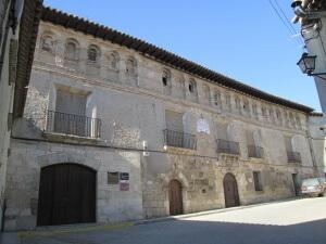 Fonz. Palacio Barones de Valdeolivos
