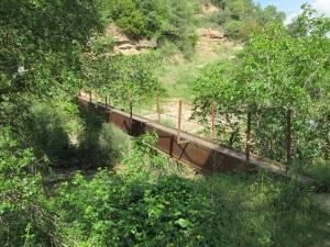 Alberuela de la Liena. Pasarela sobre el río Isuala