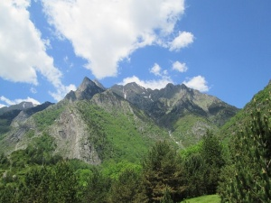Tucas a la entrada del valle de Estós