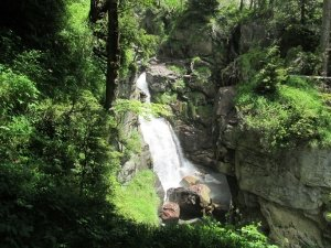 Cascada de La Larri. Valle de Pineta