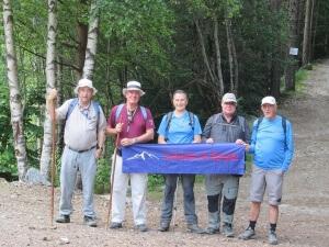 Valle de Barrosa. Caminantes de alpargata