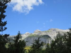 Pico Inferior de Añisclo y dos de las tres Marías
