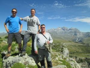 Pico Mondoto. Al fondo macizo Monte Perdido