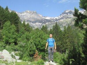 Valle de Barrosa. Al fondo picos Robiñera y La Munia