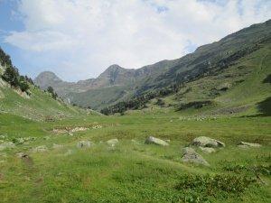 Camino d'Aiguallut. Antiguo cauce del Ésera