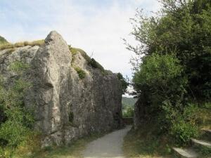 Paso estrecho a la ermita de Santa Elena