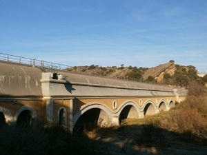 Canal de Aragón y Cataluña. Sifón en el río Sosa