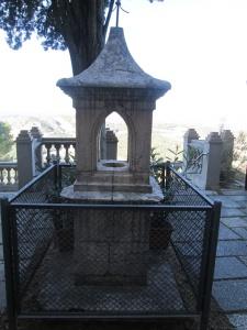 Monasterio de El Pueyo. Recordatorio del almendro