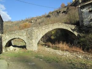 Montañana. Puente sobre el barranco de San Juan