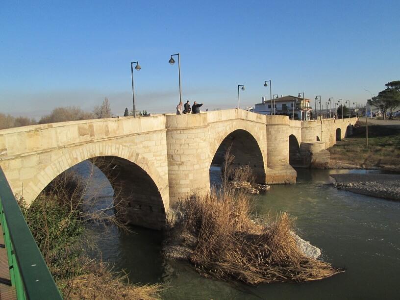Ballobar. Puente medieval