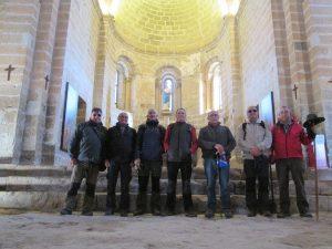 Grupo en el interior de Santa María de Chalamera