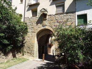 Graus. Portal de Chinchín o antigua puerta de Barbastro