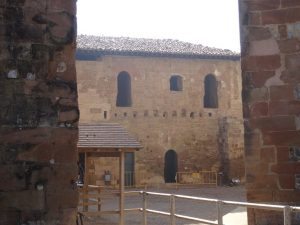 Castillo de Monzón. Dormitorios