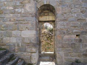 San Martín de Caballera. Puerta sur