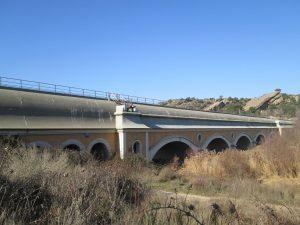 Sifón sobre el río Sosa del Canal de Aragón y Cataluña