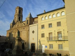 Peralta de la Sal. Santuario e iglesia parroquial