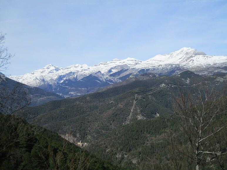 Monte Perdido. En primer término Tella