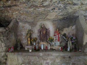 Ermita de San Julián de Andriá. Altar