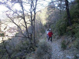Por la senda, camino de la Fuente y Chorro de Fornos