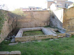 Casbas de Huesca. Lavadero en el Monasterio
