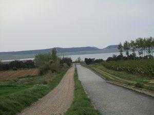 Canal de Zaidín. San Salvador al fondo