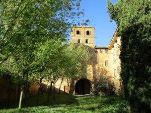 Casbas de Huesca. Patio interior monasterio