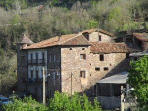 Noales. Casa Llibernal
