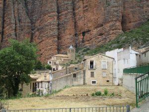 Pueblo de Riglos y su iglesia