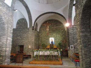 Interior iglesia de Guayente