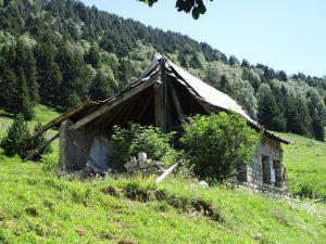Ruinas cuartel militar Estós