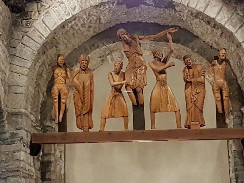Erill La Vall. Santa Eulalia. Descendimiento de la cruz