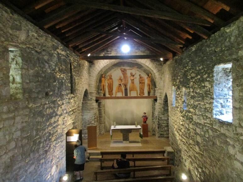 Erill La Vall. Interior Santa Eulalia