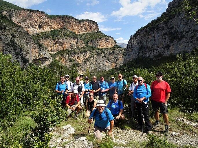 Foto de grupo en el Congosto de Ventamillo