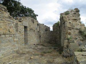 Castillo de Panillo. Restos iglesia