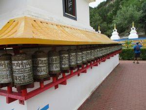 Templo Budista. Molinillos de oraciones