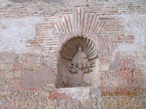 Cregenzán. Hornacina con la Virgen de El Pueyo
